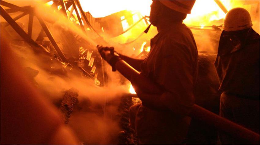 fire-at-khera-kalan-village-outer-in-paper-warehouse