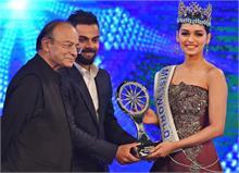 विराट को 'पापुलर च्वाइस स्पैशल अचीवमैंट पुरस्कार', मानुषी छिल्लर के हाथों मिला पुरस्कार