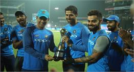 नेहरा ने घरेलू ग्राउंड पर Cricket को कहा 'अलविदा',  कुछ यूं किया साथियों ने सलाम