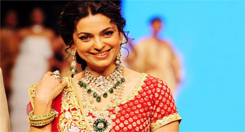 birthday-special-juhi-chawla-unknown-facts-and-femous-songs
