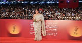 प्रियंका चोपड़ा जोनस ने माराकेच फिल्म फेस्टिवल में बिखेरा जलवा, यहां देखें तस्वीरें