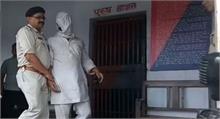 बिहार: अहमदाबाद बम ब्लास्ट का मुख्य आरोपी गिरफ्तार, साइबर कैफे में कर रहा था मेल
