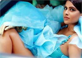 अपने लुक से एक बार फिर सोशल मीडिया पर छाईं निया शर्मा, देखें Latest Photoshoot