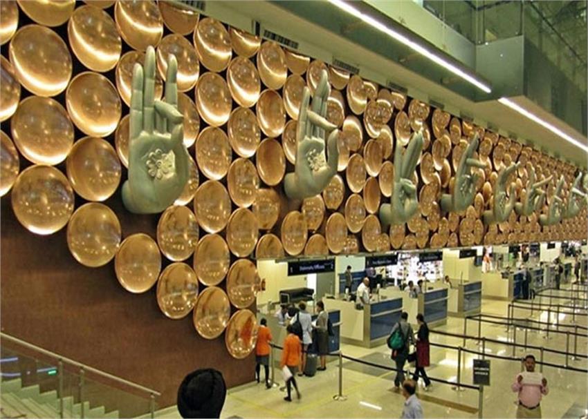 actress ayesha sharma calls security personnel posted at igi airport ''''stupid''''