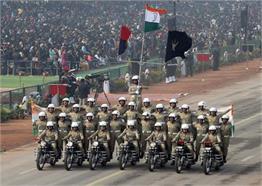 गणतंत्र दिवस पर पहली बार देखा BSF महिला जवानों का दमखम, देखें Pics