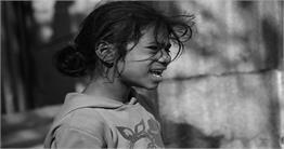 कैमरे से कहानी: तस्वीरों में देखिए बचपन व बुढ़ापे का गला घोटती गरीबी और बाल मजदूरी