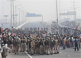 PICS: कृषि बिल के विरोध में आज थमा पूरा देश, किसानों ने किया भारत बंद का आह्वान