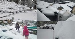 शिमला में हुई भारी बर्फबारी, दिखा अनोखा नजारा