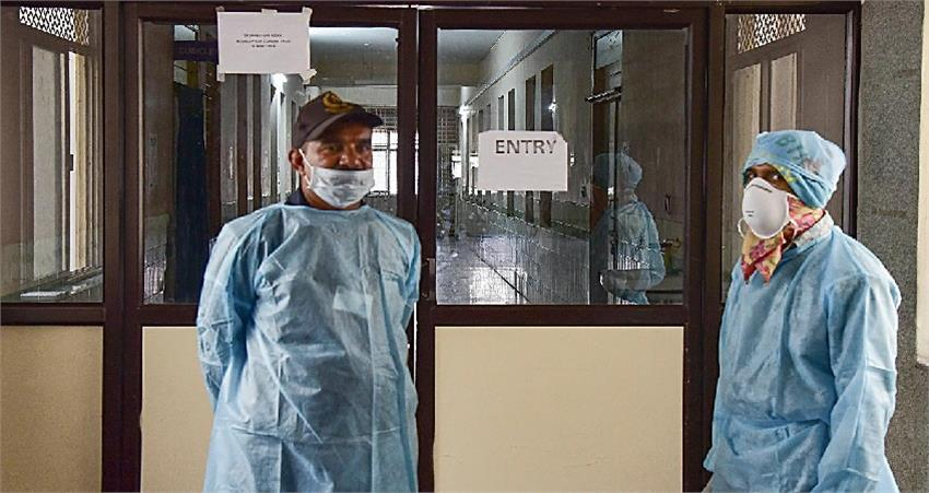 ias-also-engulfed-by-corona-in-madhya-pradesh-number-of-infected-reached-111-albsnt