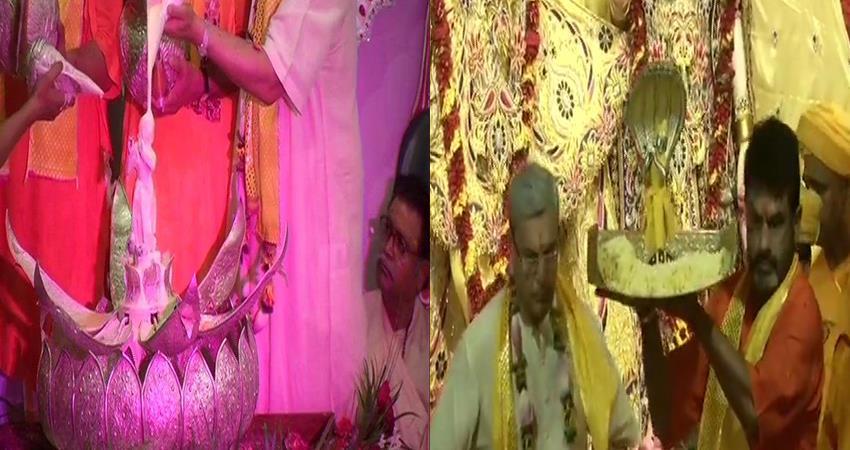 krishna janmashtami lord krishna took birth in mathura shines in temples