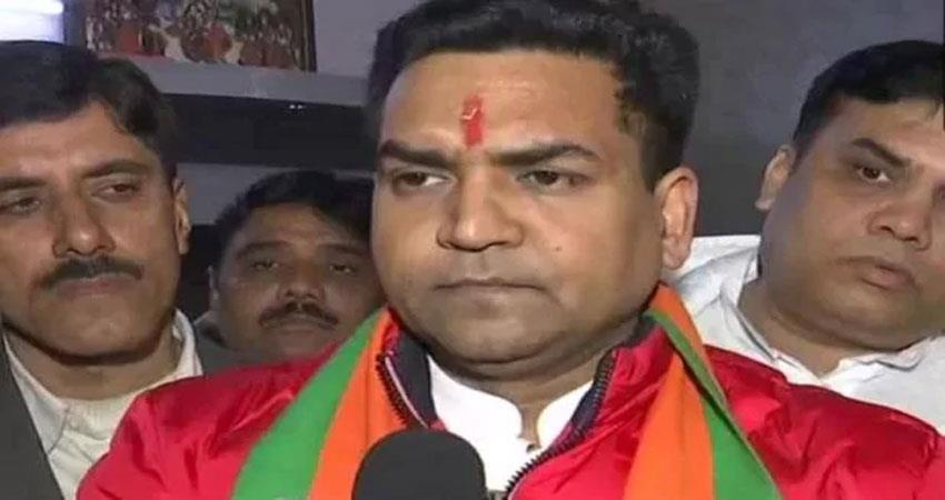 fir filed against bjp candidate kapil mishra, controversial tweet removed