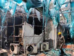 एक्शन: आग लगी थी सवा साल पहले कार्रवाई से अब झुलसे अधिकारी