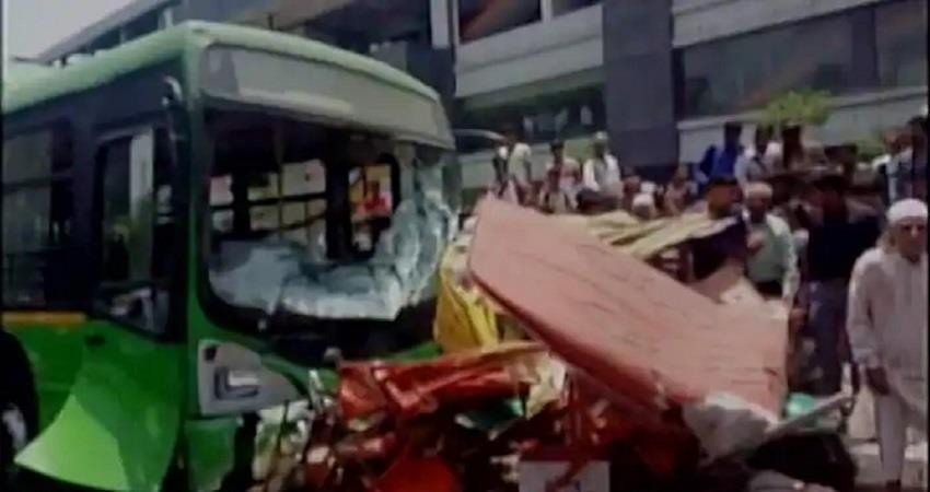 delhi bus accident 7 injured 3 died including 1 child kmbsnt