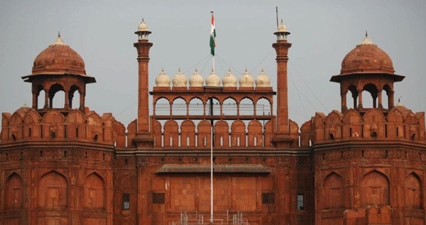 indian flag hosting on red fort on the occassion of 73rd independence day