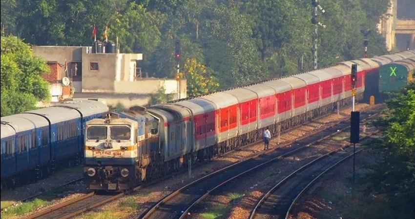 coronavirus railways train delhi to ghaziabad local train sobhnt