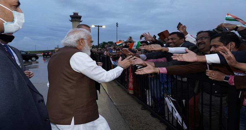 warm welcome to pm modi in america kmbsnt