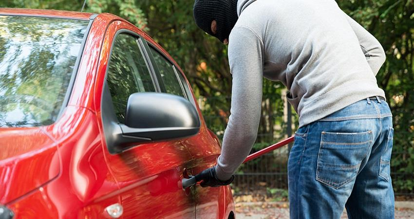 67 vehicles stolen daily in delhi kmbnst