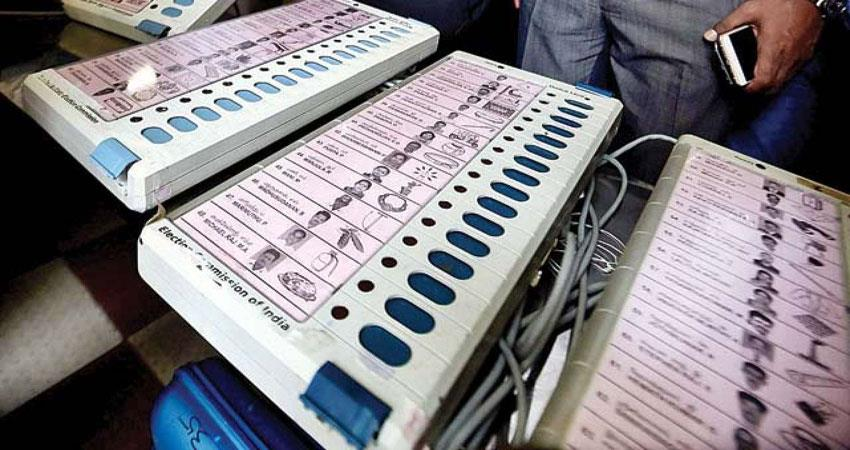 in-this-way-india-entered-in-the-e-democracy-know-here-the-whole-journey-from-ballot-box-to-evm