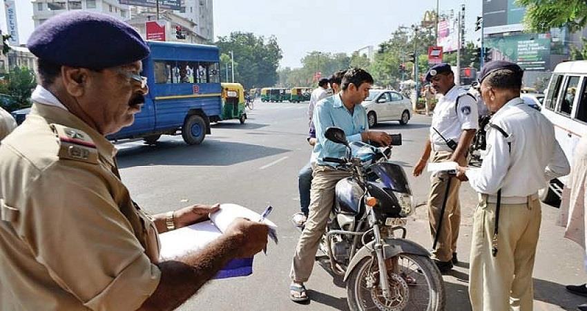 Delhi Traffic Police Advisory 2 metro stations are closed KMBSNT