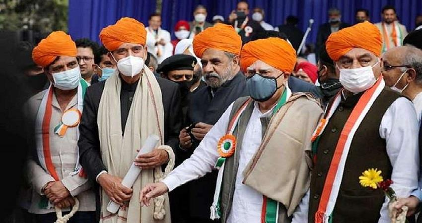 congress g23 leaders raise voice against gandhi family kmbsnt