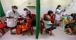 भारत ने रचा इतिहास- वैक्सीनेशन का आंकड़ा 100 करोड़ के पार, RML पहुंचे PM मोदी