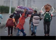 दिल्ली में फंसे मजदूर जा सकेंगे अपने घर! सरकार ने शुरू किया ऑनलाइन रजिस्ट्रेशन