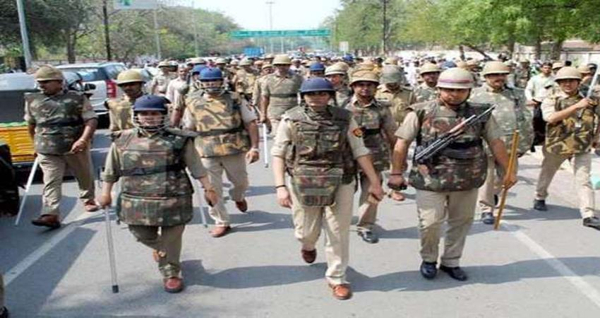 communal-riots-erupt-in-jaipur-24-policemen-including-9-policemen-section-144-apply