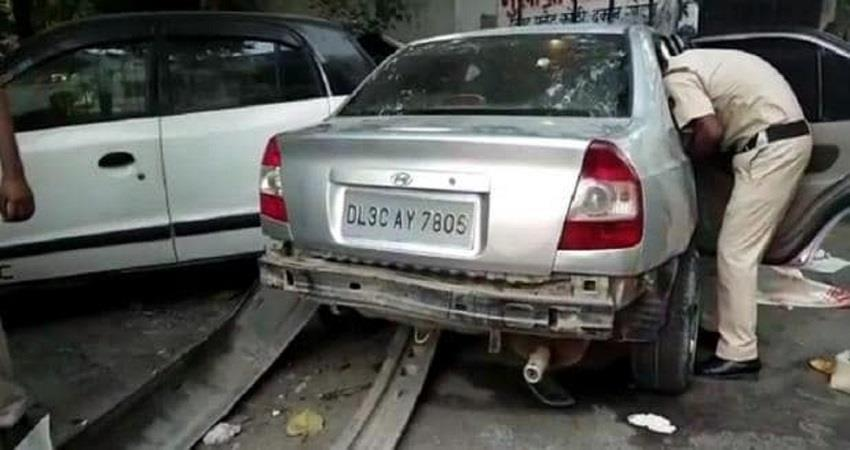 high speed car killed 2 people in rohini delhi kmbsnt