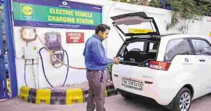 delhi-govt-gave-instructions-to-reserve-5-percent-parking-for-e-vehicles-kmbsnt