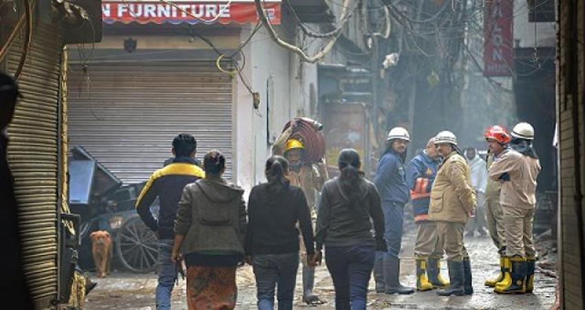delhi anaj mandi fire tragedy cbi inquiry