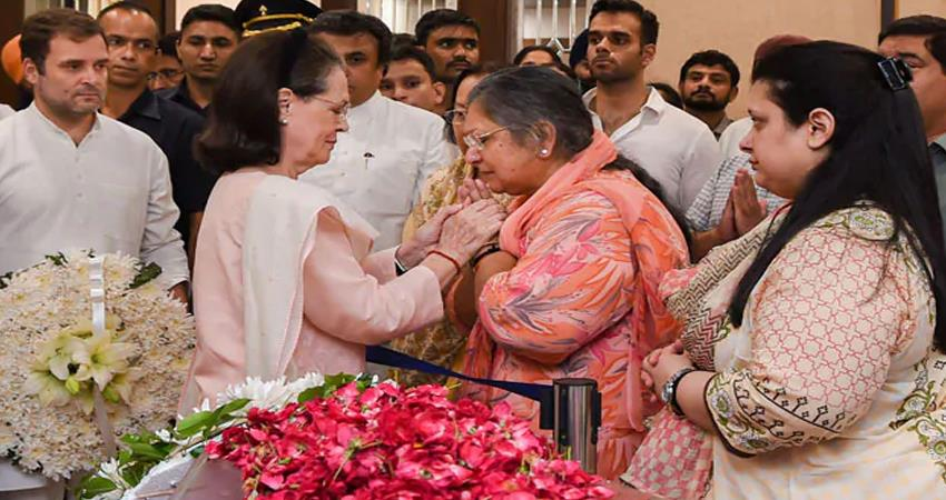 sonia gandhi wrote a letter to arun jaitley wife