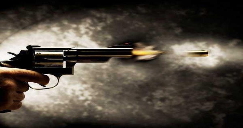 man shot at petrol station of faridabad