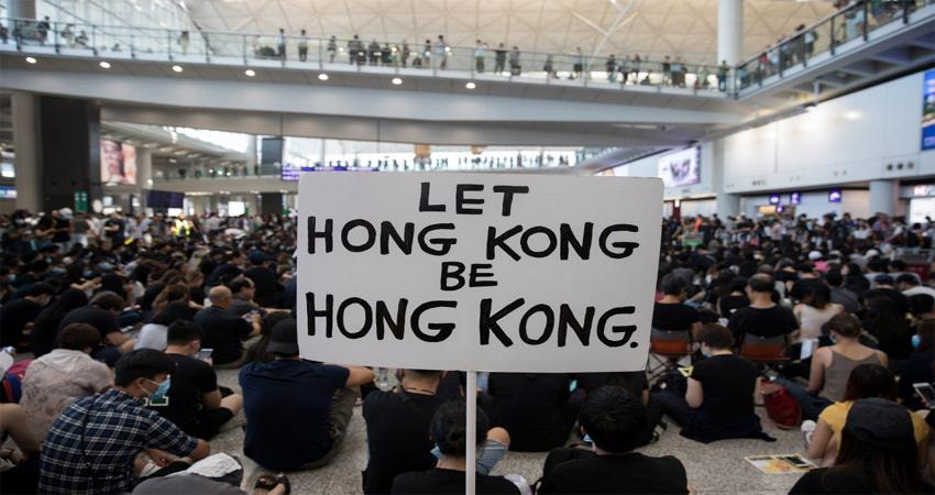 protests continue in hong kong over the restoration of the democratic