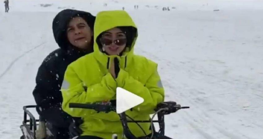 sara ali khan shared a video clip of the snowfall jsrwnt