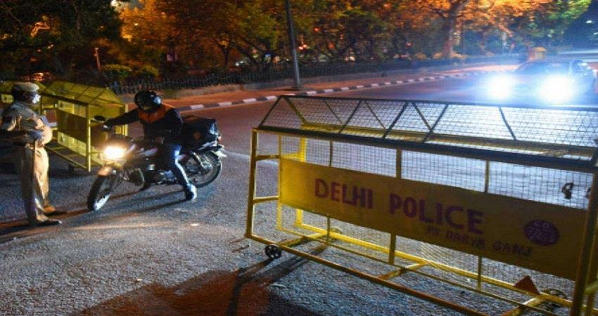 during delhi weekend curfew police patrolling and strict rules kmbsnt