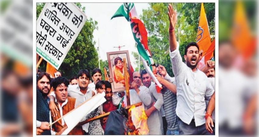 sheila-dixit-protest-against-priyanka-gandhi-arrest-in-uttar-pradesh