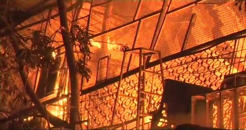 visuals-of-fire-that-broke-out-inside-a-chemical-factory-in-asalfa-village-in-mumbai