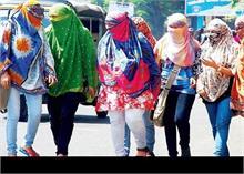 Delhi Weather Updates: गर्मी ने तोड़ा 76 साल का रिकॉर्ड, 40 डिग्री के पार पहुंचा तापमान