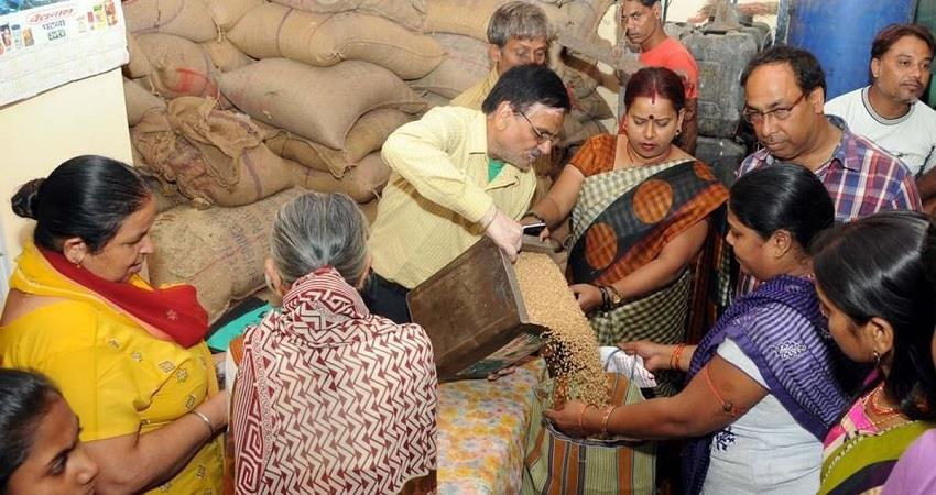 now non pds ration will be distributed from shops in delhi kmbsnt