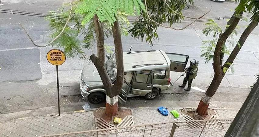 explosive material found near mukesh ambanis residence prshnt