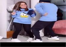 नेहा कक्कड़ कर रहीं थीं घर की सफाई, रोहनप्रीत ने किया कुछ ऐसा, वायरल हुई Video