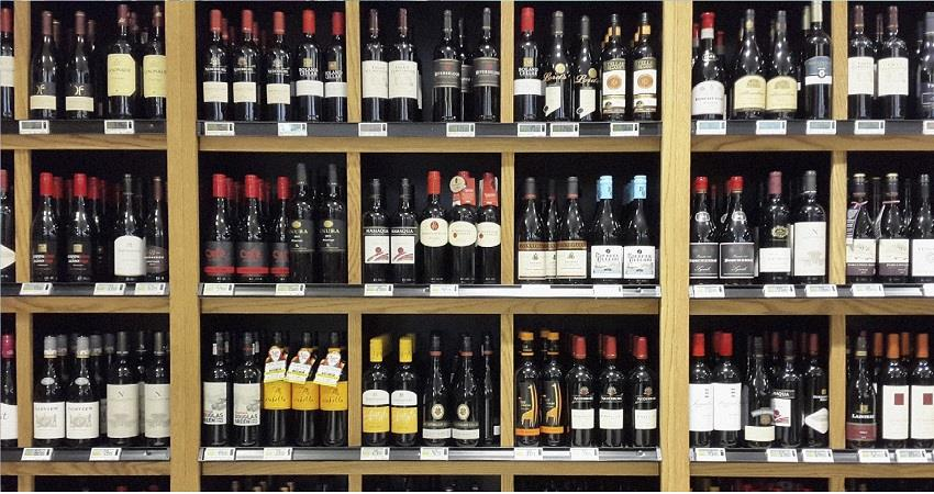 government-allows-private-liquor-shops-to-open-in-delhi-djsgnt