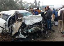 ओखला में ट्रक ने कार केउड़ायेपरखच्चे ,हादसों में 9 लोगोंकी मौत