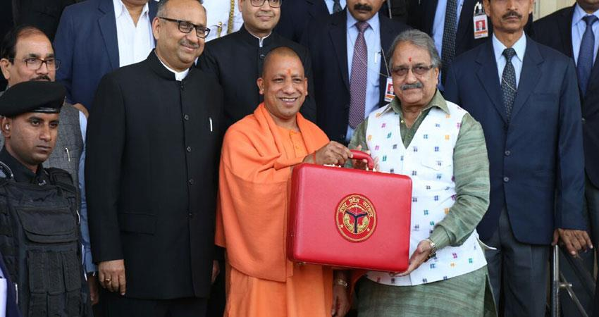 up-yogi-government-presents-budget