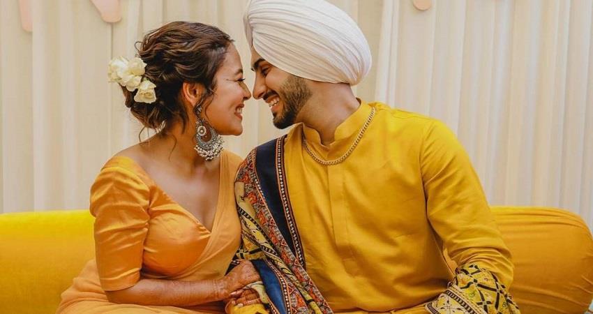 neha-kakkar-and-rohanpreet-haldi-ceremony-pictures-viral-jsrwnt