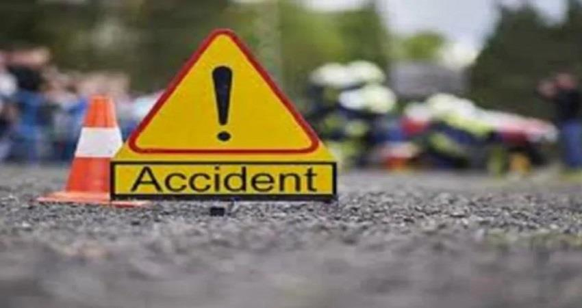 2 person died during treatment in a vehicle accident, four injured musrnt