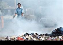 दिल्ली: पूरे दिन जलता रहा कूड़ा, गोपाल राय ने MCD पर लगाया 1 करोड़ का जुर्माना