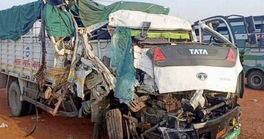 Uttar Pradesh Truck pickup collision in Etawah 6 people dead prshnt