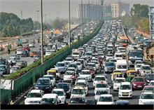 आर्थिक सर्वेक्षण में चौंकाने वाला खुलासा-  दिल्ली में 1 हजार की आबादी पर 600 से ज्यादा वाहन