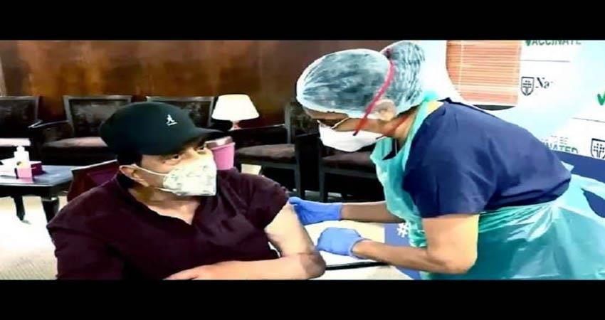 dharmendra got corona vaccine dose sosnnt